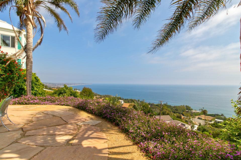 Ocean Sunsets Suite + Malibu Beachcomber Bungalow - Malibu Vacation Rental - Photo 45