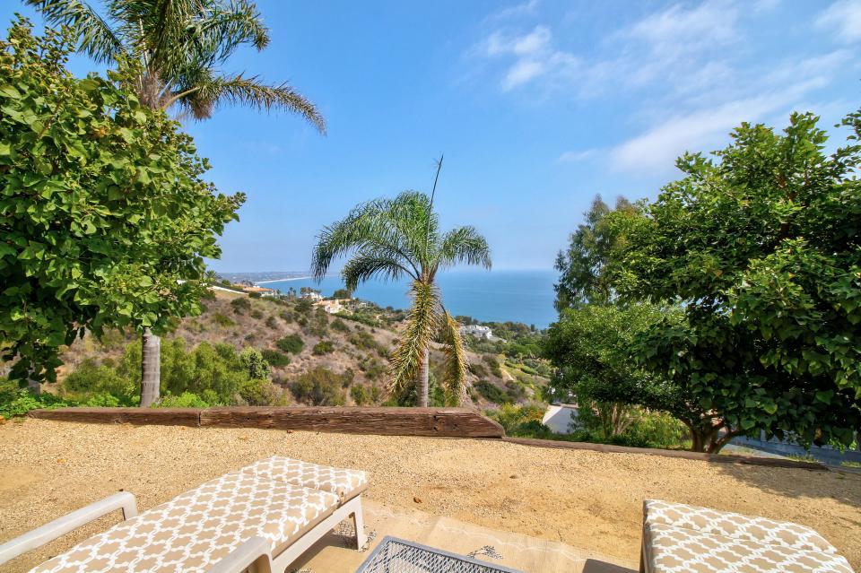 Ocean Sunsets Suite + Malibu Beachcomber Bungalow - Malibu Vacation Rental - Photo 46