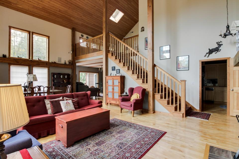 The Lodge at Welches - Welches Vacation Rental - Photo 6