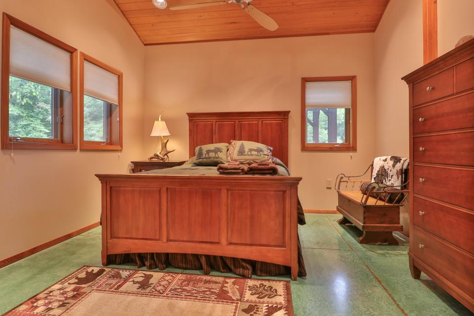The Ridge House at Powder Ridge - Newry Vacation Rental - Photo 6