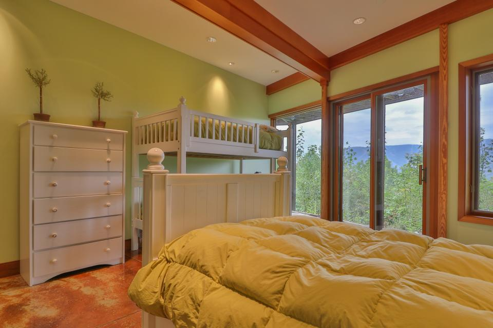 The Ridge House at Powder Ridge - Newry Vacation Rental - Photo 12