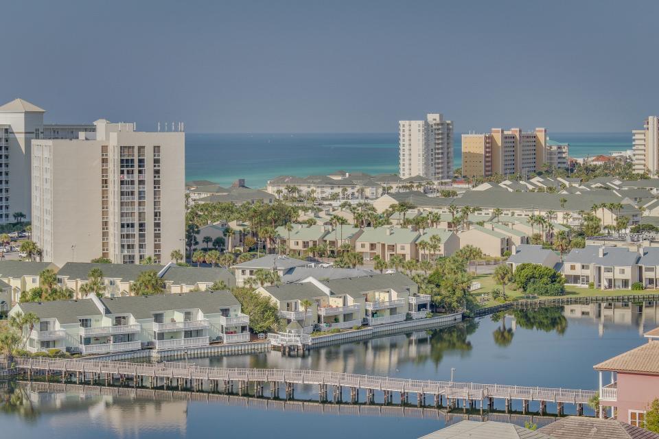 Destin Beach Escape - Destin Vacation Rental - Photo 50