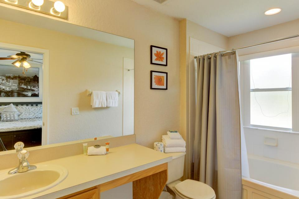 302 Calabria Villa - Davenport Vacation Rental - Photo 16