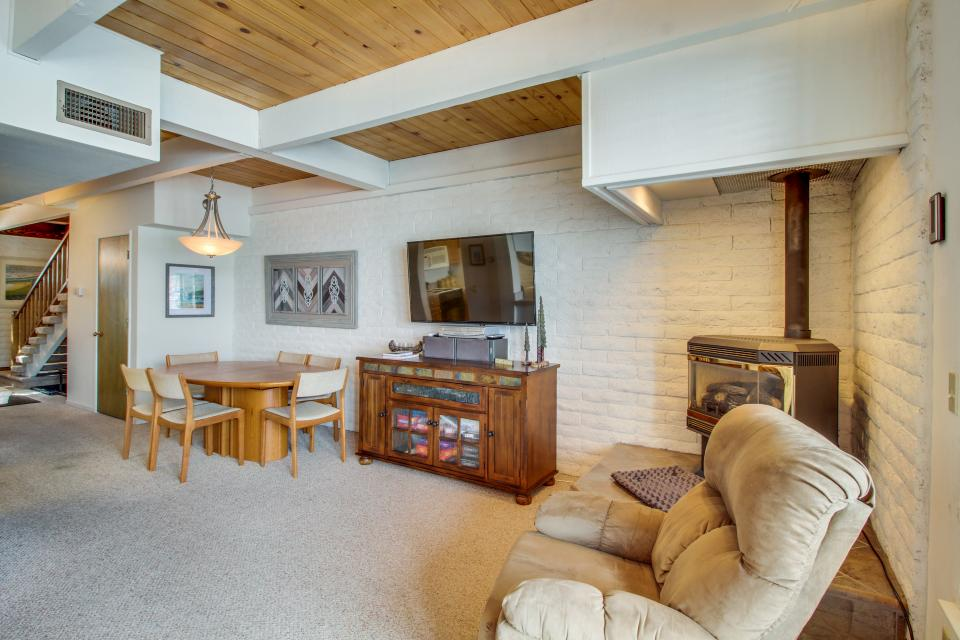 The Keys R&R - South Lake Tahoe Vacation Rental - Photo 7