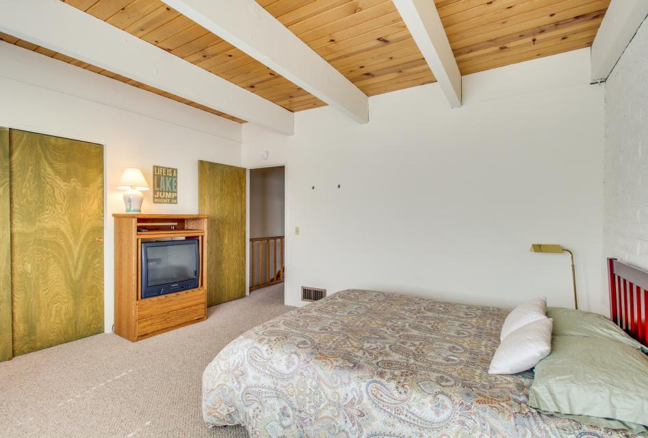 The Keys R&R - South Lake Tahoe Vacation Rental - Photo 20