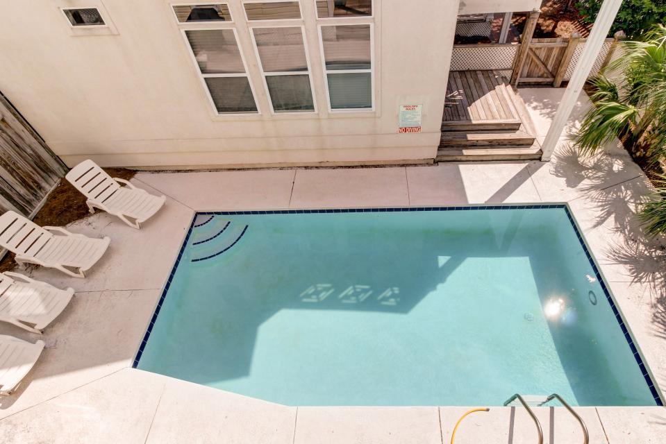 Brzee Bungalow - Destin Vacation Rental - Photo 2