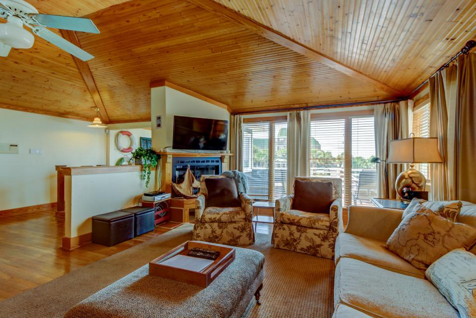 Point of View - Destin Vacation Rental - Photo 2