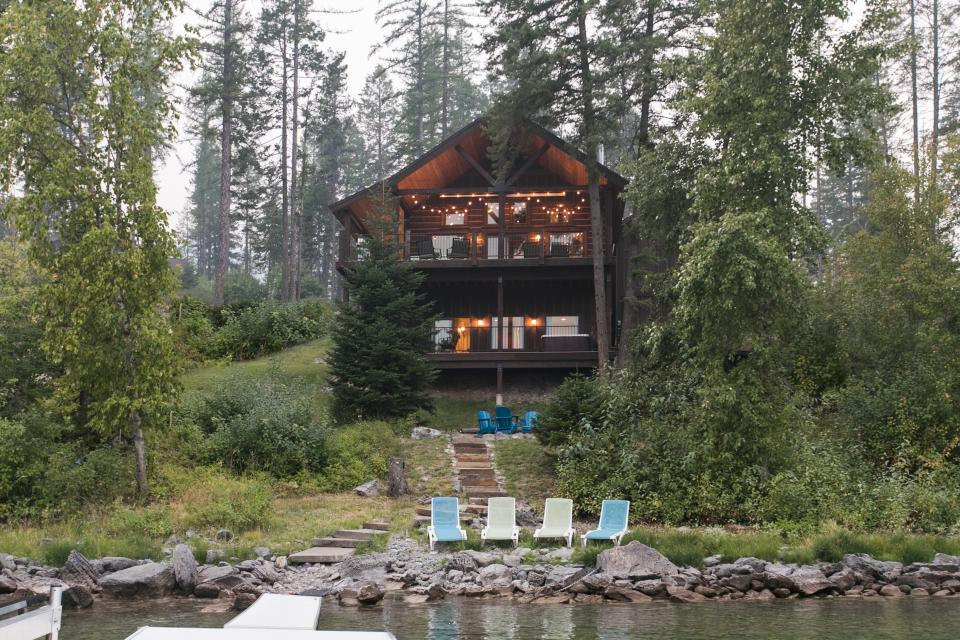 montana cabin rainier lodging cabins creekside lazy for view bears rent in