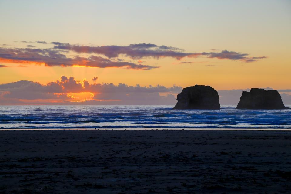 Ocean Rogue Inn Unit 8 - Rockaway Beach Vacation Rental - Photo 3