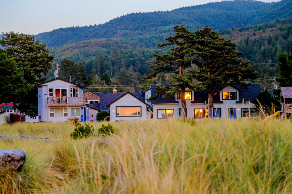 Ocean Rogue Inn Unit 8 - Rockaway Beach Vacation Rental - Photo 23