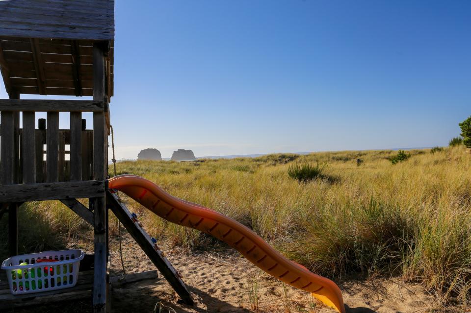 Ocean Rogue Inn Unit 8 - Rockaway Beach Vacation Rental - Photo 26