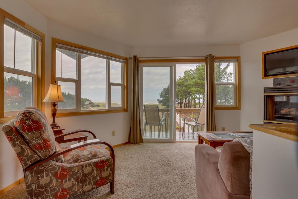 Ocean Rogue Inn Unit 8 - Rockaway Beach Vacation Rental - Photo 20