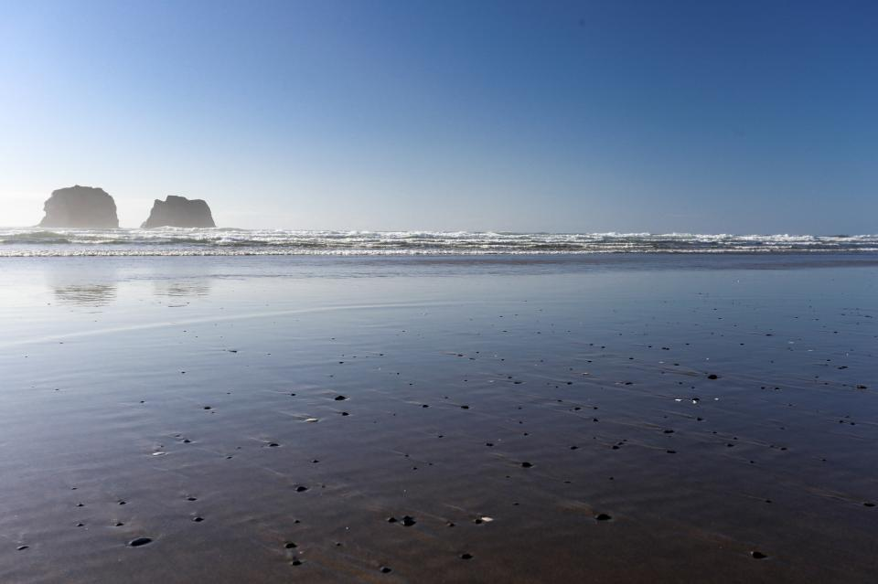 Ocean Rogue Inn Unit A - Rockaway Beach Vacation Rental - Photo 7