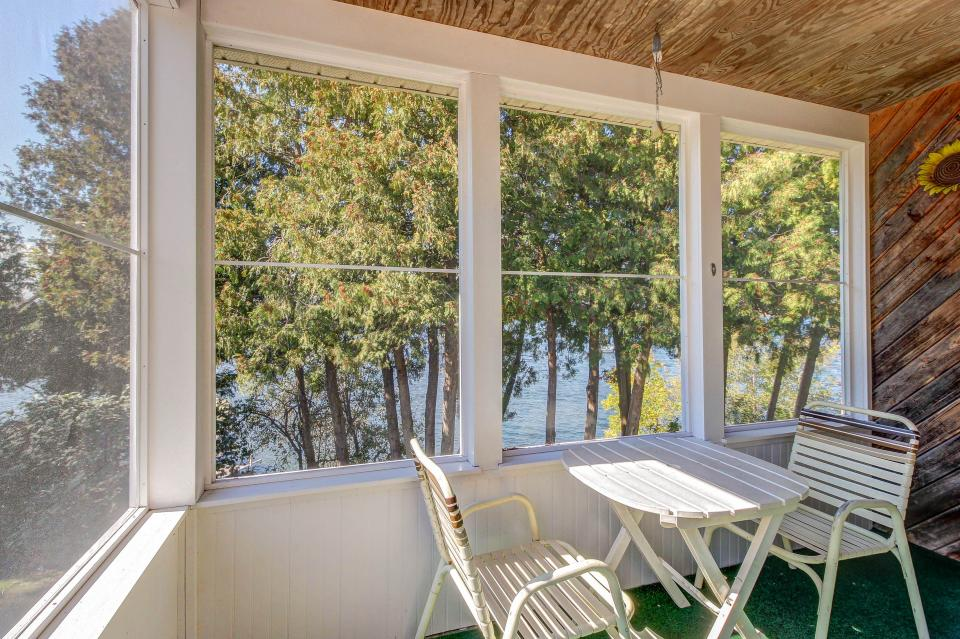 Cozy Cottage - South Hero Vacation Rental - Photo 9