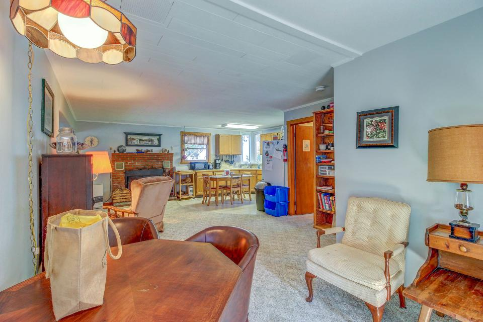 Cozy Cottage - South Hero Vacation Rental - Photo 5
