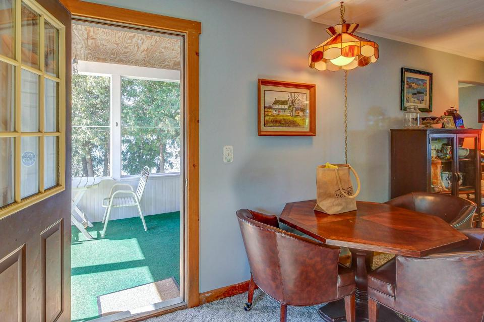 Cozy Cottage - South Hero Vacation Rental - Photo 6