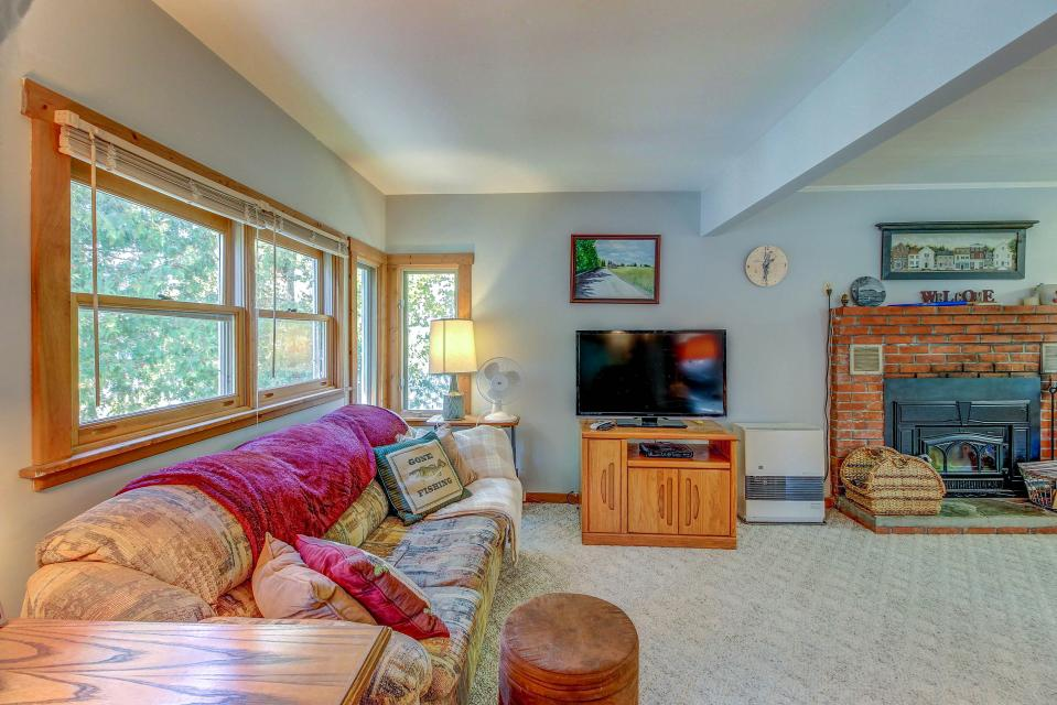 Cozy Cottage - South Hero Vacation Rental - Photo 12