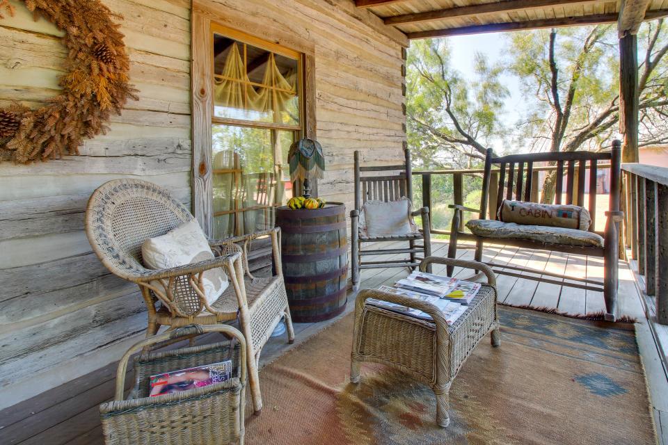 Tanglewood Farms-Full Property - Fredericksburg Vacation Rental - Photo 16