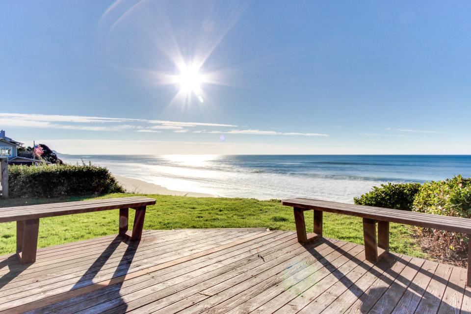 The Best Little Beach House On The Oregon Coast 2 Bd