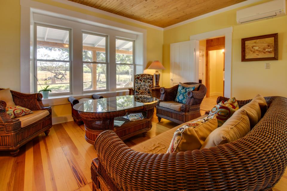 White Dairy Guesthouse - Fredericksburg Vacation Rental - Photo 3
