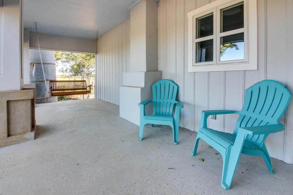 White Dairy Guesthouse - Fredericksburg Vacation Rental - Photo 26