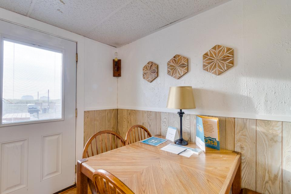 Ocean Rogue Inn Unit 5 - Rockaway Beach Vacation Rental - Photo 5