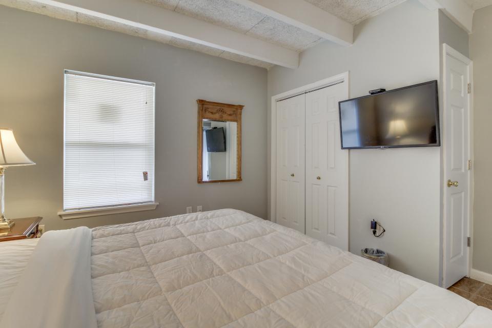 Ronay Bayside Residence #1 - Fort Walton Beach Vacation Rental - Photo 10