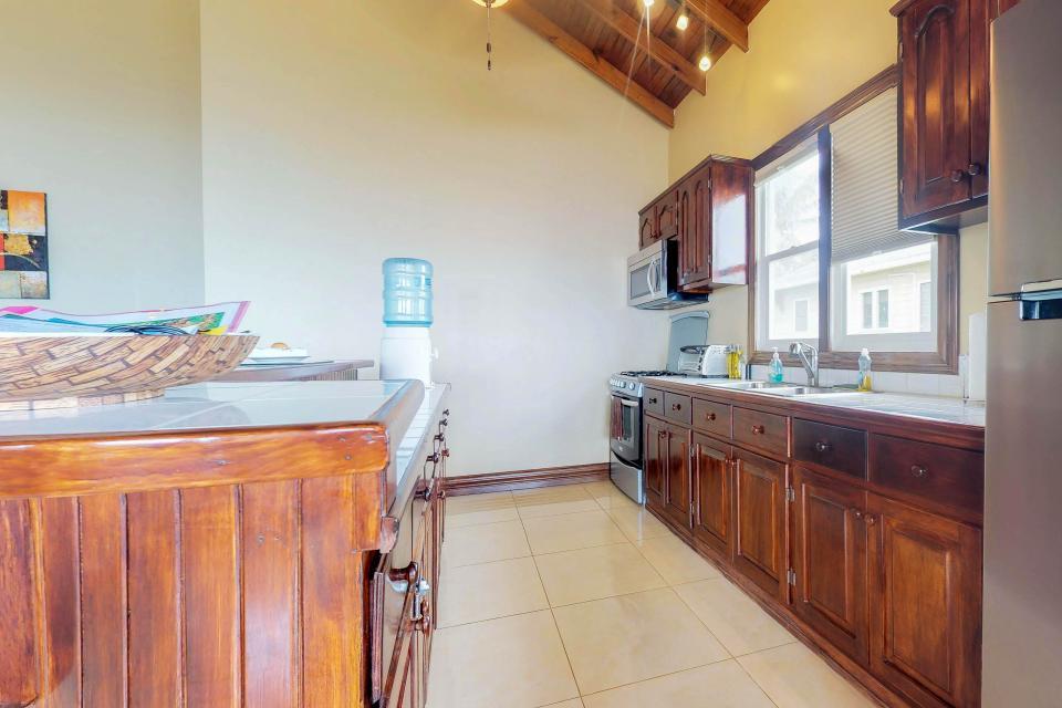 Villa Hermosa Vista - West Bay Vacation Rental - Photo 14
