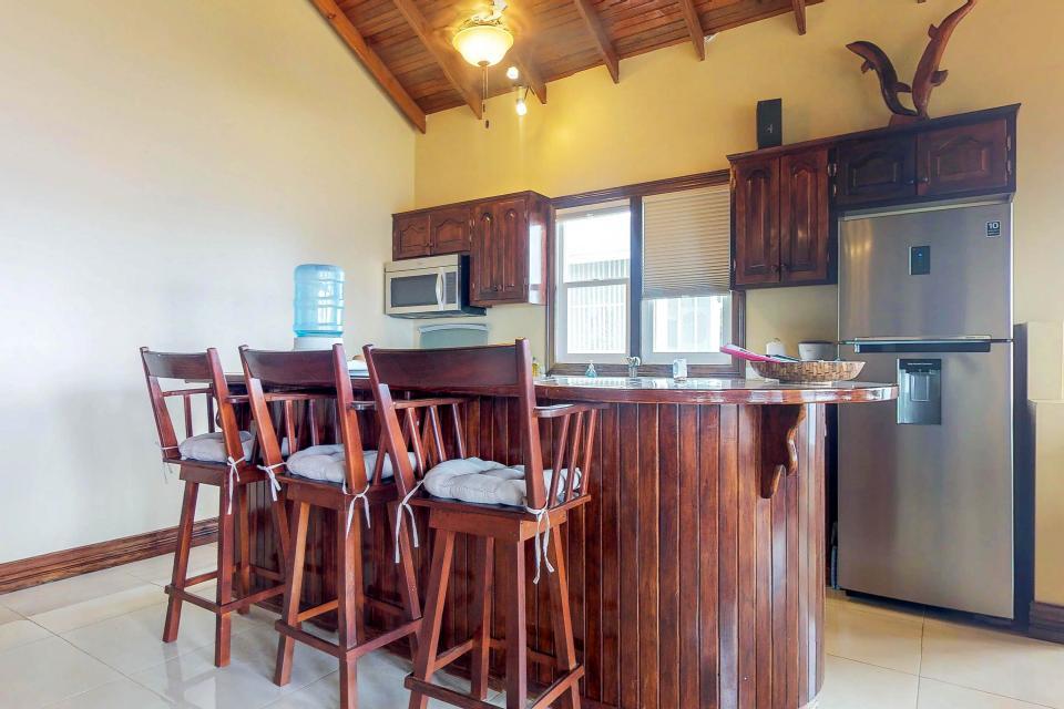 Villa Hermosa Vista - West Bay Vacation Rental - Photo 12