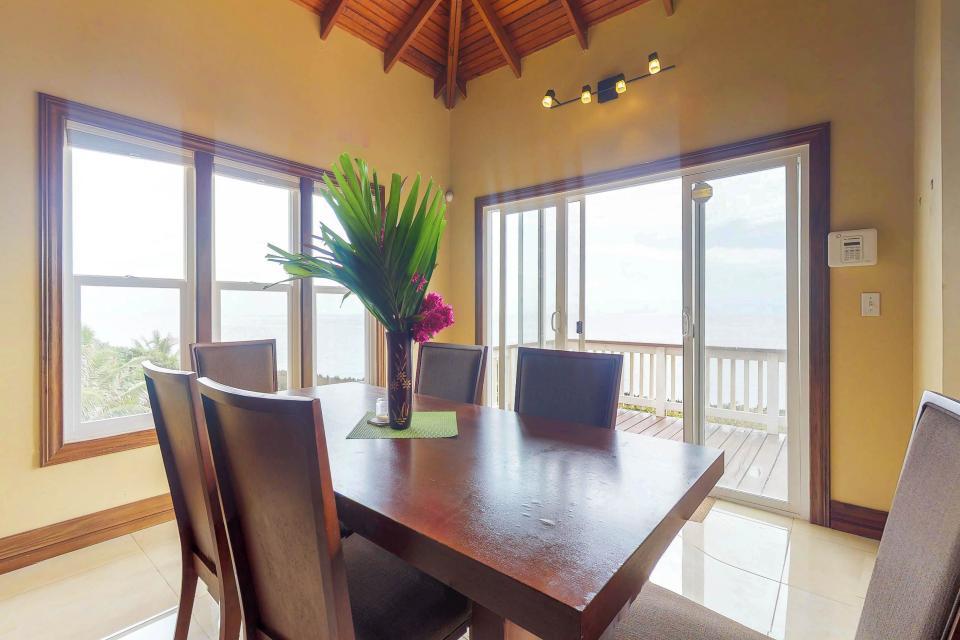 Villa Hermosa Vista - West Bay Vacation Rental - Photo 11