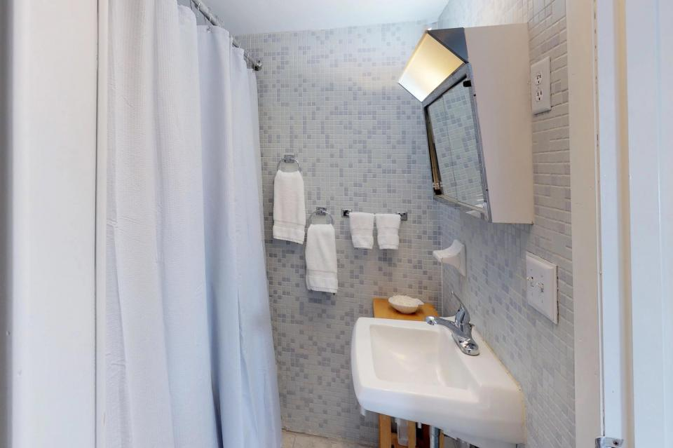 SeaWind Guest Studio - Orleans Vacation Rental - Photo 11
