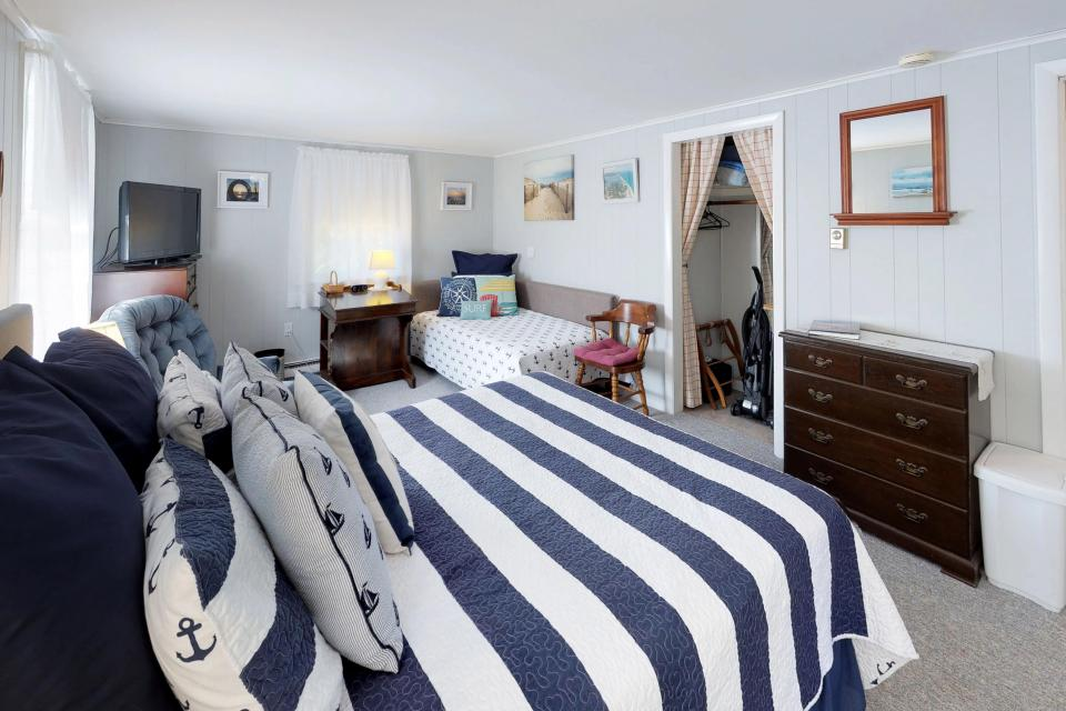 SeaWind Guest Studio - Orleans Vacation Rental - Photo 15