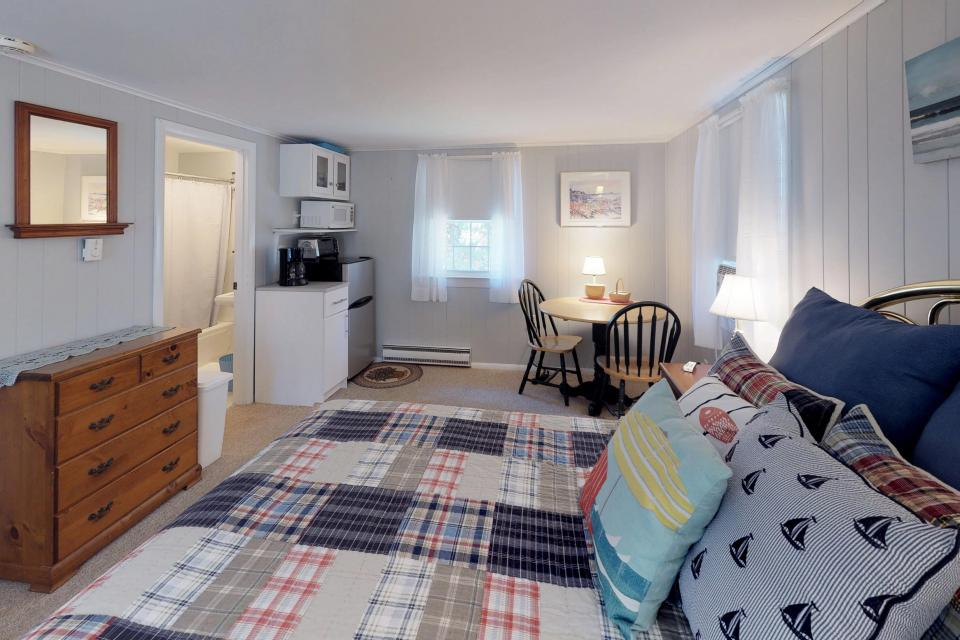 Beach Rose Guest Studio - Orleans Vacation Rental - Photo 12