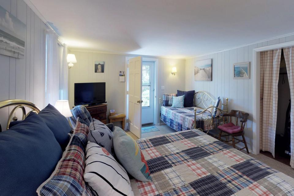 Beach Rose Guest Studio - Orleans Vacation Rental - Photo 6