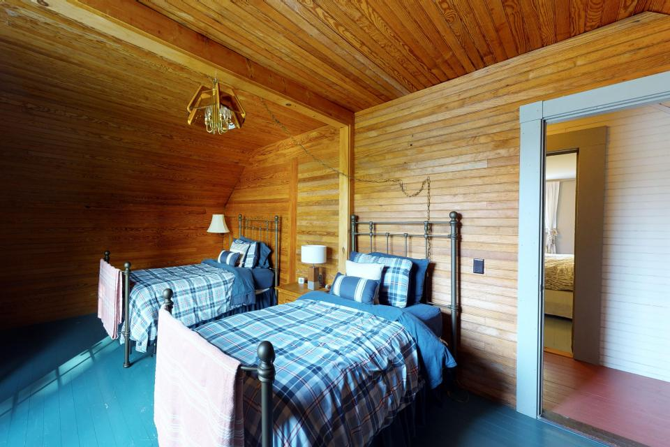 Songo Pond Cabin - Bethel Vacation Rental - Photo 13
