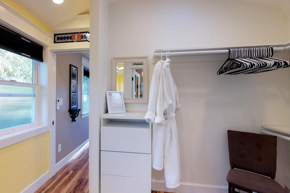 Brewmaster's Cottage - Portland Vacation Rental - Photo 21