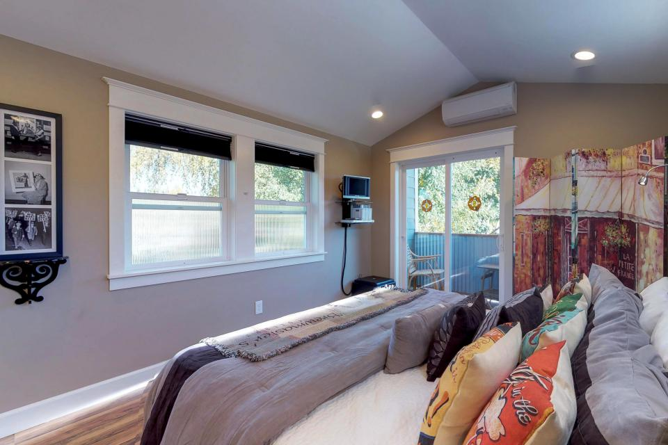 Brewmaster's Cottage - Portland Vacation Rental - Photo 19