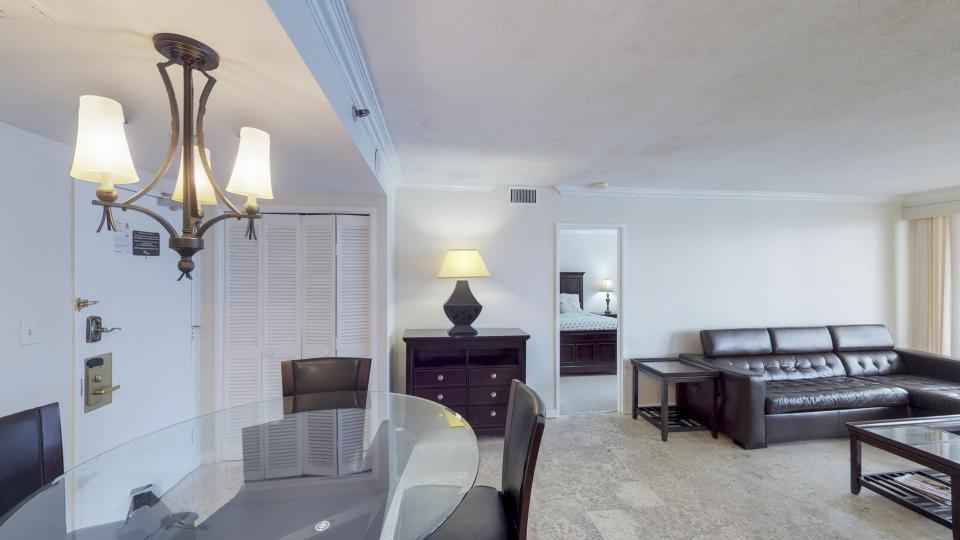 Millionaire's Row - Miami Beach Vacation Rental - Photo 5