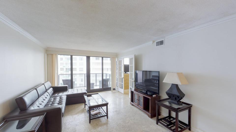 Millionaire's Row - Miami Beach Vacation Rental - Photo 8