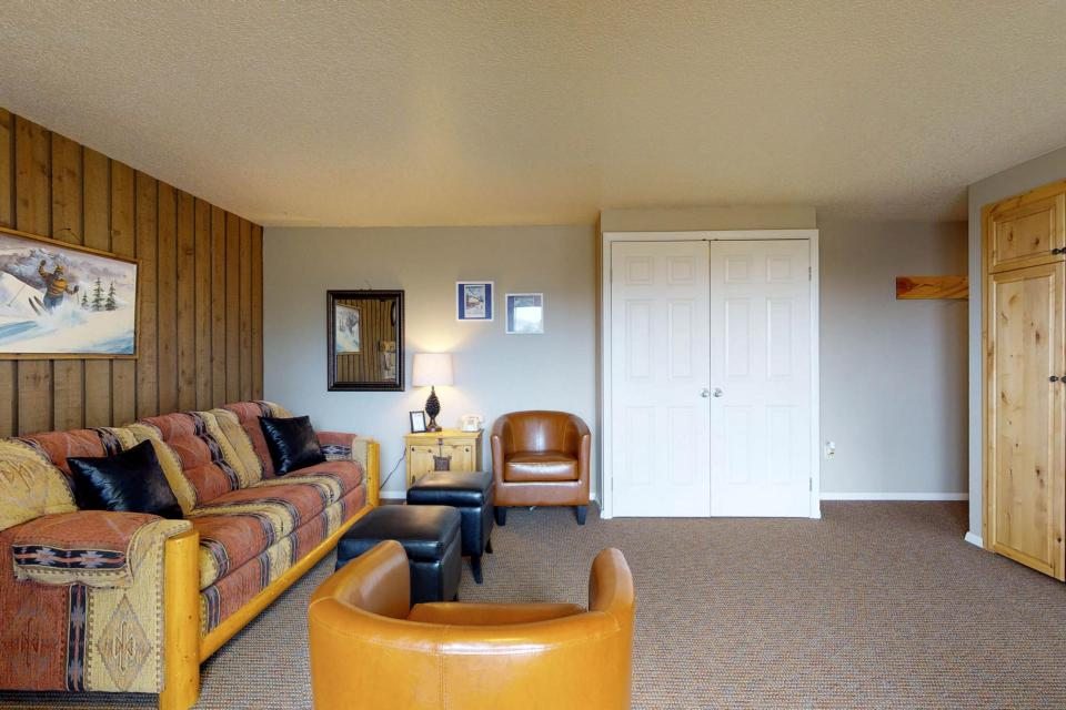 The Pineview (204 A) - Boise Vacation Rental - Photo 24