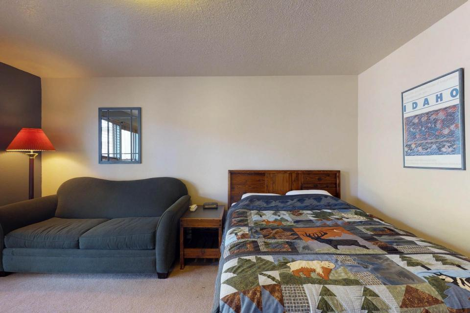 Shaffer Butte View (216C) - Boise Vacation Rental - Photo 13