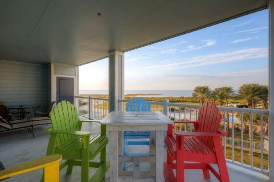 Beach Retreat - Galveston Vacation Rental - Photo 15