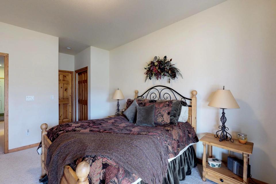 Elk Manor - Silverthorne Vacation Rental - Photo 22