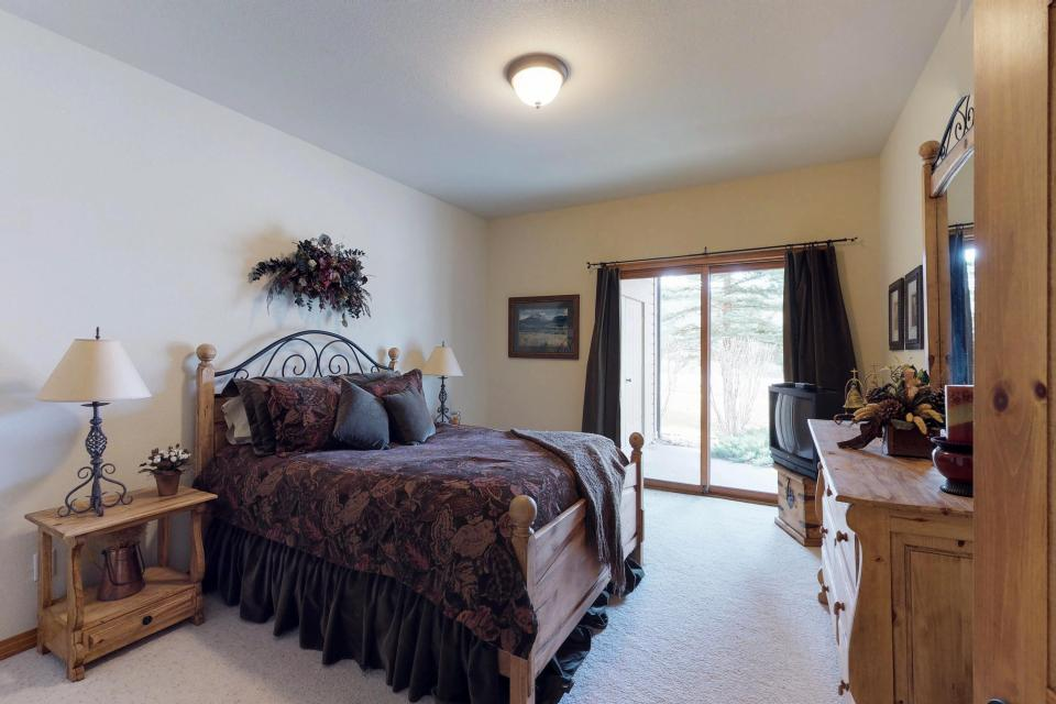 Elk Manor - Silverthorne Vacation Rental - Photo 21