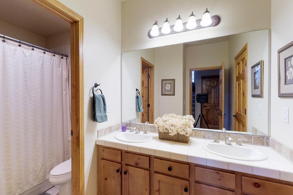 Elk Manor - Silverthorne Vacation Rental - Photo 20