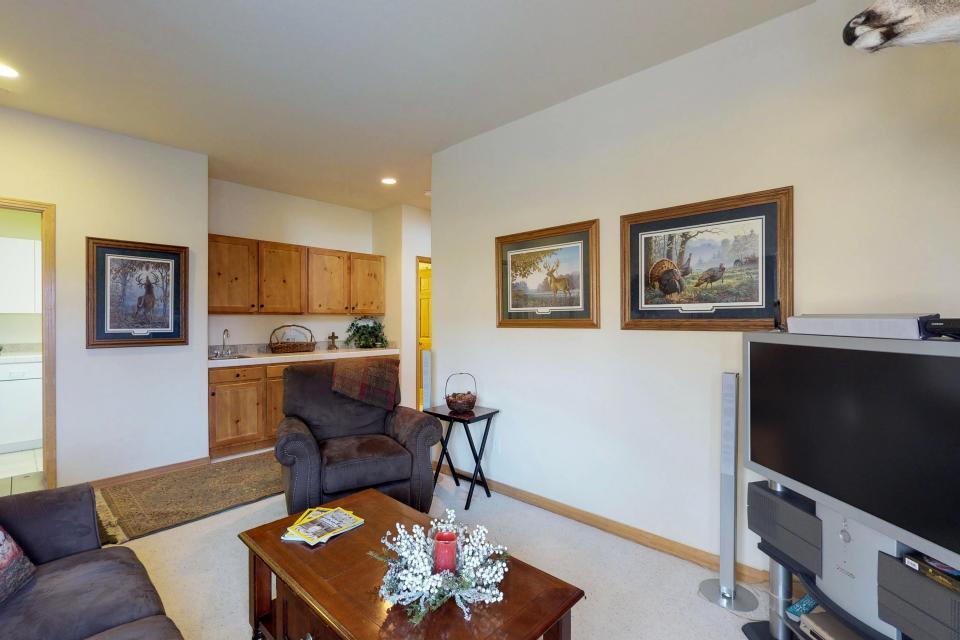 Elk Manor - Silverthorne Vacation Rental - Photo 19