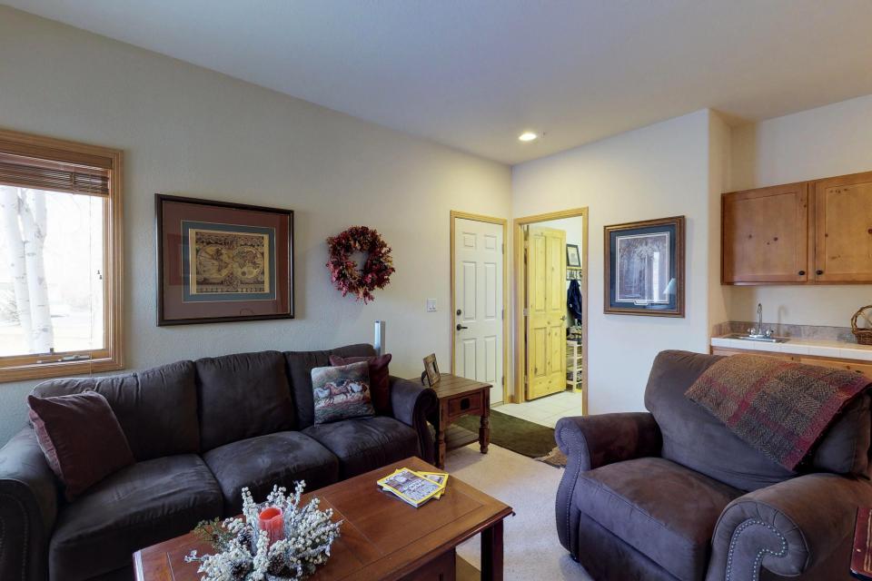 Elk Manor - Silverthorne Vacation Rental - Photo 18