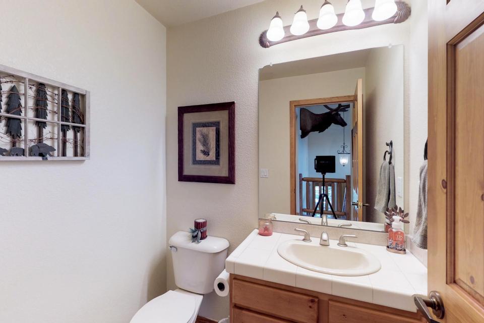 Elk Manor - Silverthorne Vacation Rental - Photo 11