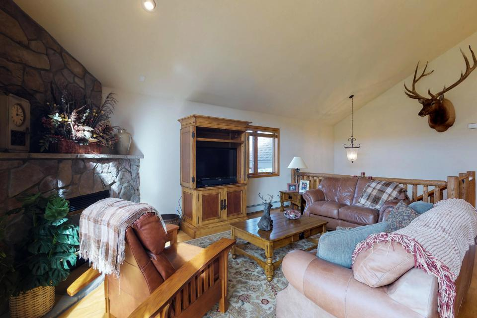 Elk Manor - Silverthorne Vacation Rental - Photo 7