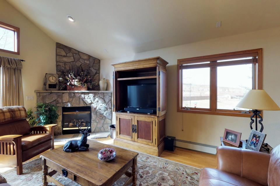 Elk Manor - Silverthorne Vacation Rental - Photo 6